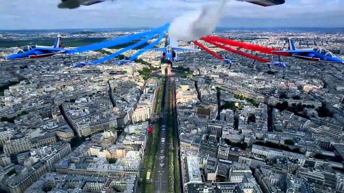 Bastille Day 2015 – French Acrobatic Patrol above Paris